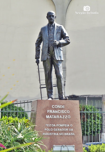 Vista ampla do Monumento Conde Francisco Matarazzo - Pompeia - São Paulo