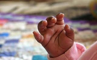 Τραγωδία τα ξημερώματα: Μωρό ξεψύχησε στο δρόμο