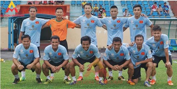 Đồng phục bóng đá màu xanh
