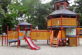 Δημοπρατήθηκε η κατασκευή έξι ακόμη παιδικών χαρών στον Δήμο Καστοριάς