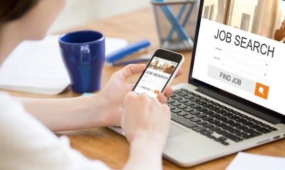 5 Cara Mencari Lowongan Pekerjaan di Facebook Yang Benar