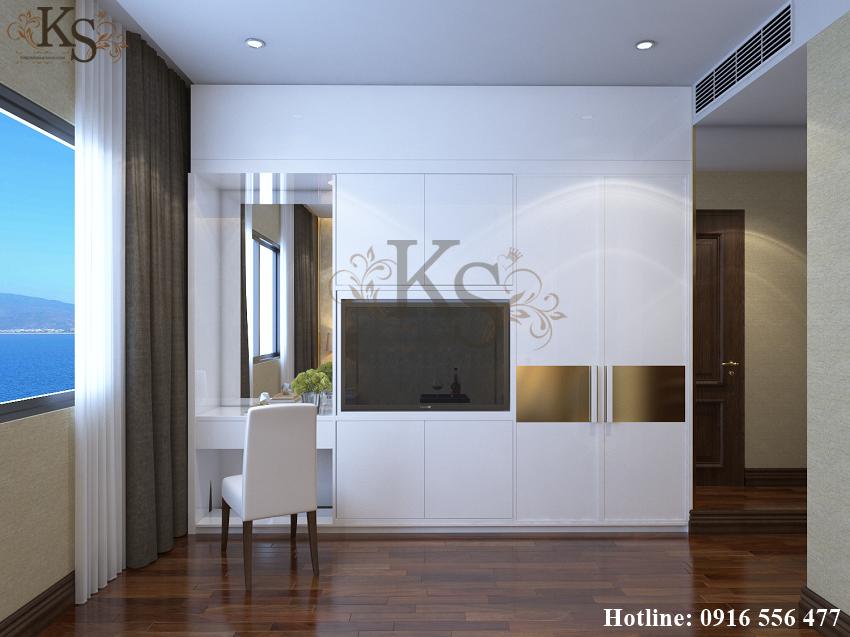 Hình ảnh: Tủ đồ và cách đặt ti vi giúp tiết kiệm diện tích cho thiết kế nội thất phòng ngủ đơn khách sạn. Ghế ngồi trang điểm mang dáng dấp hiện đại tạo nên vẻ đẹp tân cổ điển.