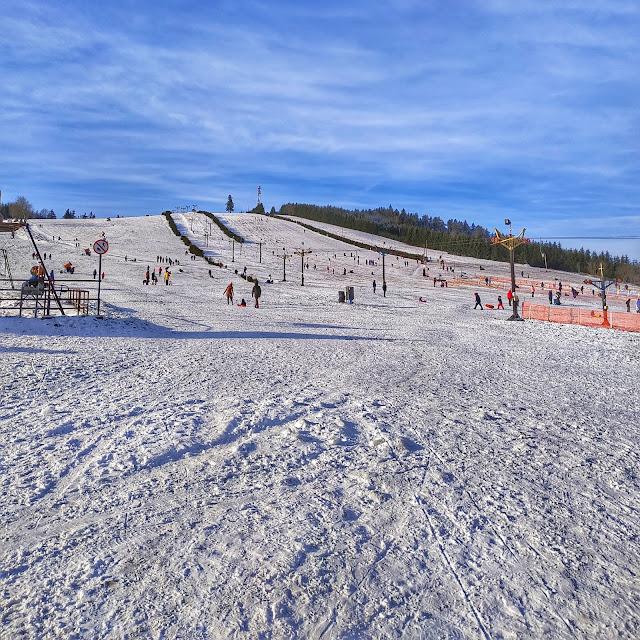 gdzie nauczyć się jeździć na nartach, okolice Wrocławia,