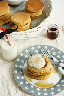 http://www.everydaycooking.pl/2014/11/dyniowe-pancakes.html