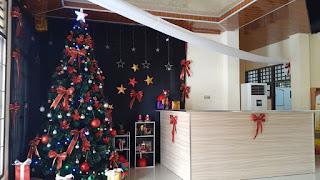 Sambut Bulan Desember, Polres Torut Pasang Pohon dan Hiasan Natal
