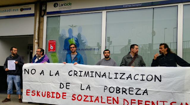 protesta contra la huella digital de Lanbide en Cruces