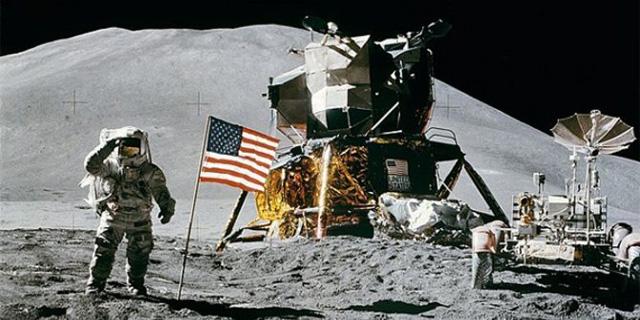 Konspirasi pendaratan manusia pertama di bulan