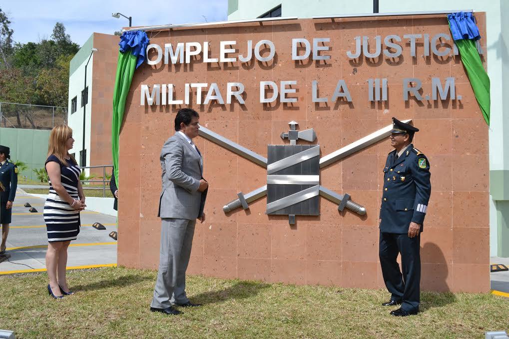 Autoridades celebran 103 aniversario del ej rcito mexicano for Juzgado togado militar