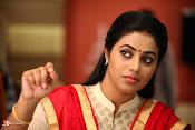 Jayammu NischayammuRaa Movie Stills-thumbnail-2