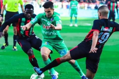 فريق الرجاء البيضاوي يفوز بلقب الدوري الاحترافي