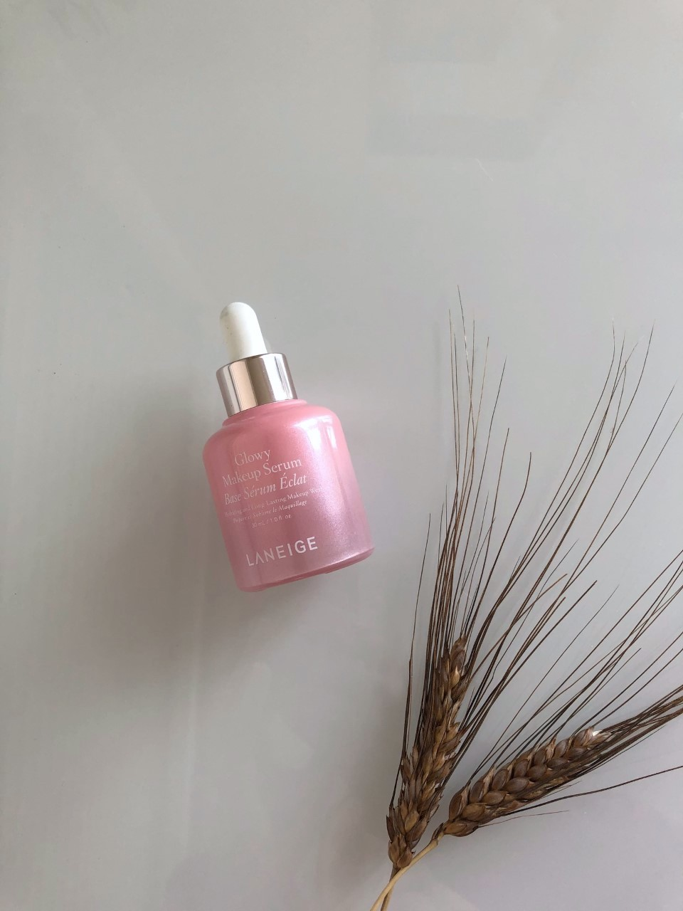 Laneige Glowy Makeup Serum: A quick review