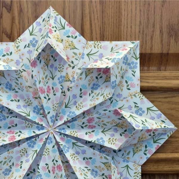 floral modular origami wreath detail