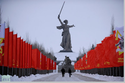 The Motherland Calls, tinggi patung 85 meter, Rusia - pustakapengetahuan.com