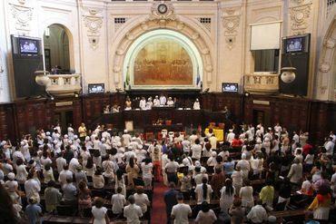 A convite do PSOL, pai de santo invoca entidades na Alerj e pede que 'igrejas não se apossem do Estado' e atacou a 'família BOLSONARO'