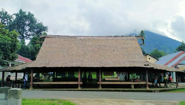 Rumah adat Sasadu