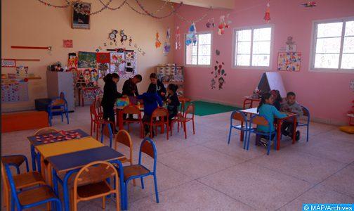 الفقيه بن صالح : تجهيز 74 حجرة للتعليم الأولي وتسليم حافلتين للنقل المدرسي