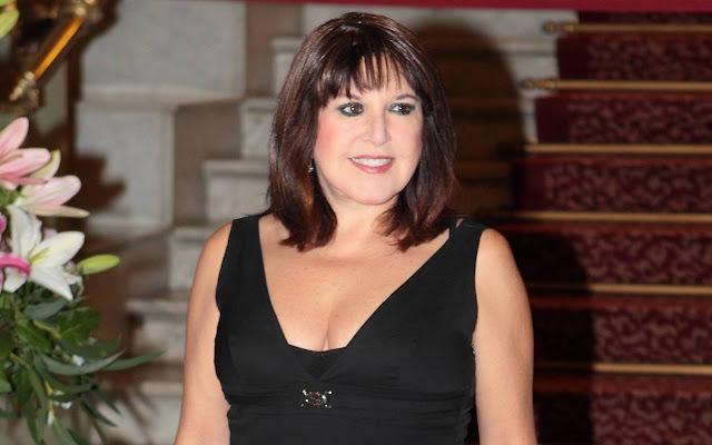 La actriz Loles León, conocida por sus incónicas interpretaciones en el cine almodovariano, cumple hoy unos bien llevados 70 años