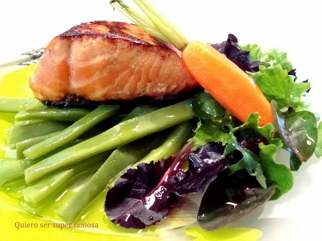 http://cosas-mias-y-demas.blogspot.com.es/2012/02/ensalada-de-salmon-y-judias-verdes.html