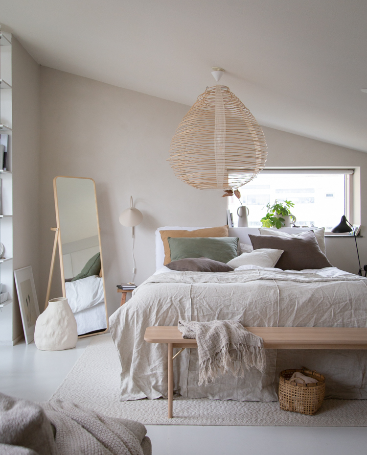 Bedroom Details: One bench, Two Different ways