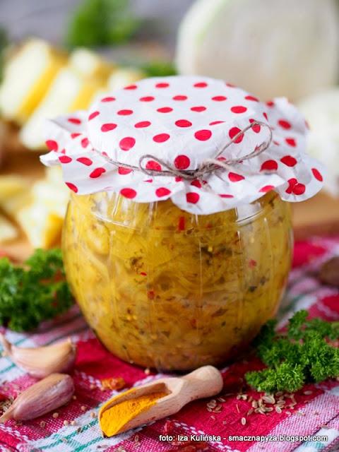 kiszonki, fermentacja, przetwory, wyroby domowe, warzywa, owoce, ananas, jak kisic kapuste, kisimy w domu