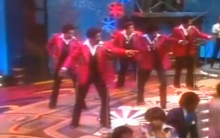 videos-musicales-de-los-80-the-spinners-working-my-way-back-to-you