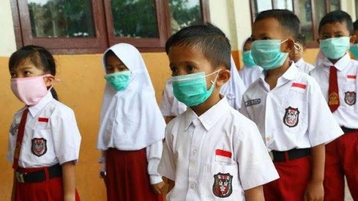 Pertaruhan Jokowi Membuka Sekolah Tatap Muka di Tengah Pandemi