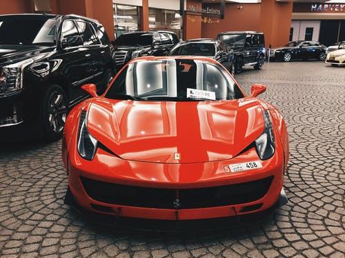 is-ferrari-more-valuable-car-than-Lamborghini