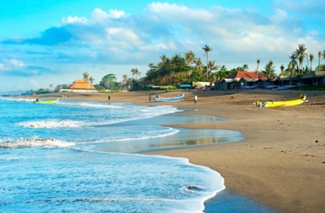 Pantai di Indonesia Yang Wajib Didatangi Tahun 2017 - Pantai Canggu Bali
