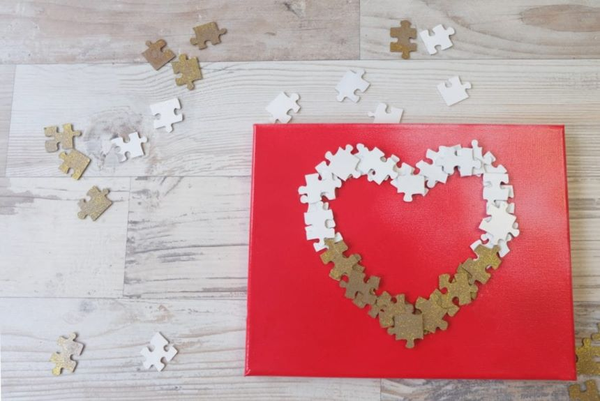Easy, inexpensive Valentines day craft to make for loved ones