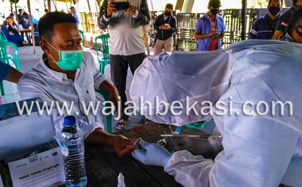 Obon Tabroni Prakarsai Rapid Test Masal Gratis di Rumah Buruh Bekasi