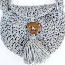 Bolso Redondo con Borla a Crochet
