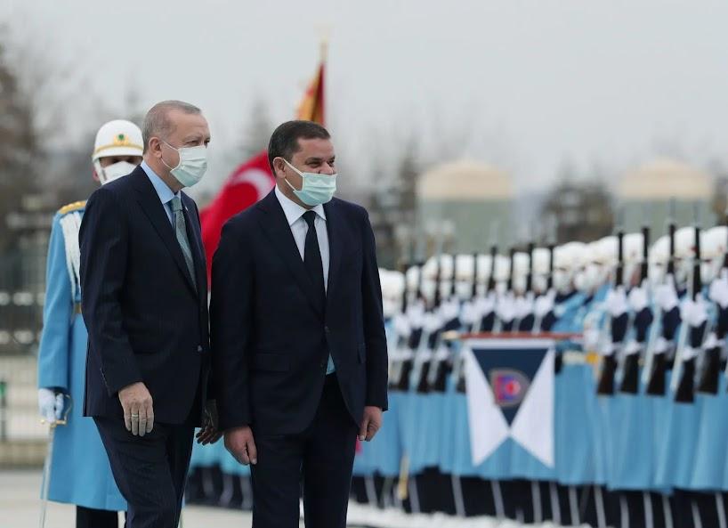 Ο Ερντογάν και εκείνοι που ταπεινώνονται μπροστά του