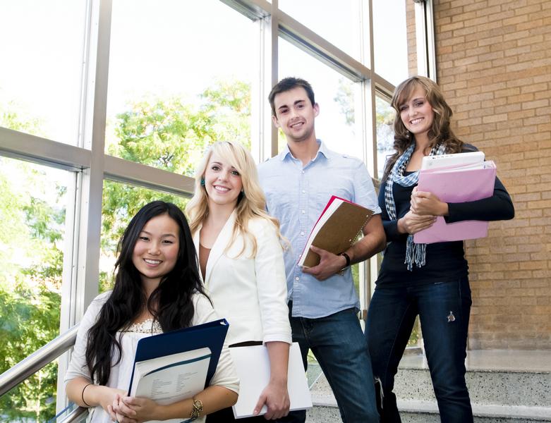 Programa internacional disponibiliza bolsas de estudo para jovens preocupados com sua comunidade
