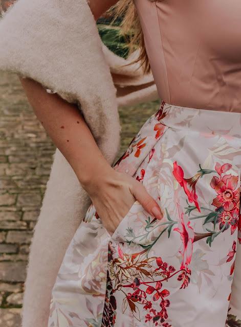 Closet London Gold Floral Dress blog review