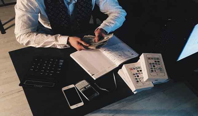 tugas admin payroll perusahaan