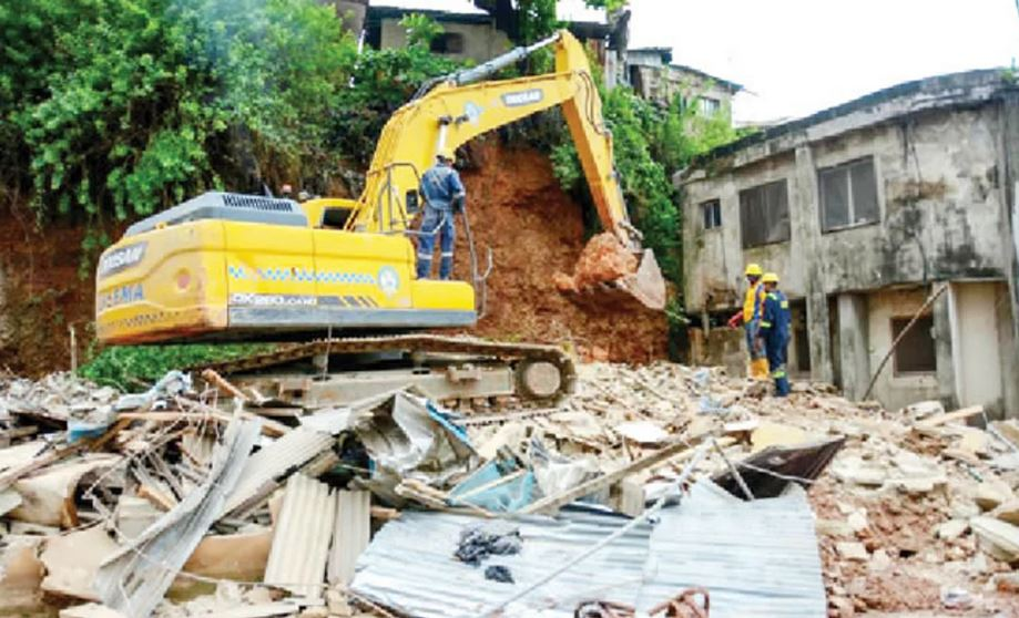 We Left Our Daughters Alive But Returned To Meet Their Dead Bodies - Lagos Couple Who Lost Their Only Two Kids In Building Collapse #Arewapublisize
