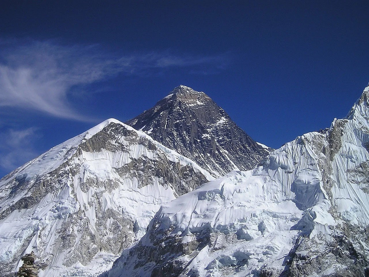 Disturbing Discovery Of Microplastic Near Summit Of Mount Everest ㅡ 8,440m Above Sea Level
