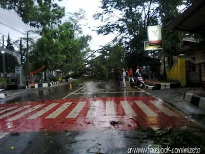 PicsArt 1448712064447 Awas! Hujan Es dan Badai Terjadi Di Sukabumi