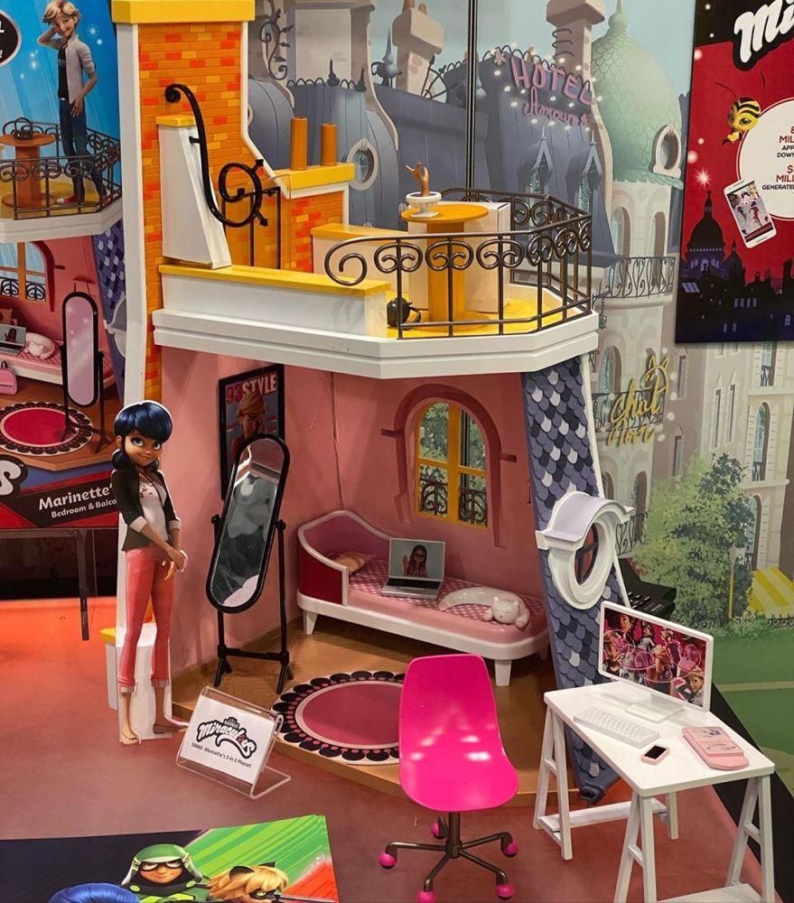 Кукольный домик для Леди Баг (Miraculous Lady Bug Dollhouse)