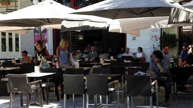 Αιτήσεις στο Ναύπλιο για χορήγηση επιπλέον κοινόχρηστου χώρου στα καταστήματα εστίασης