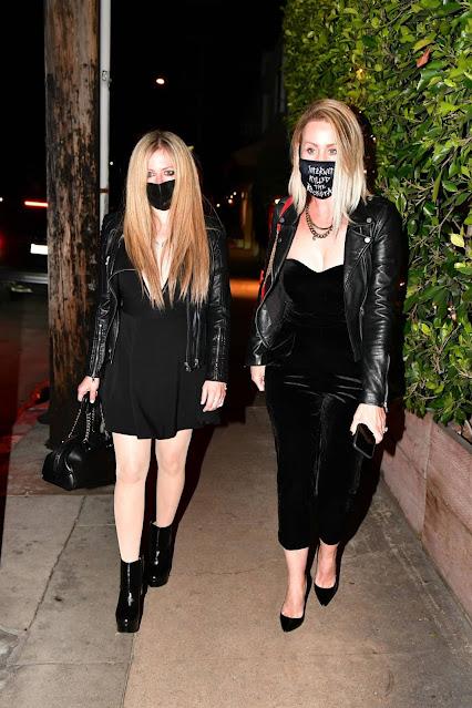 Avril Lavigne – Seen at Giorgio Baldi in Santa Monica