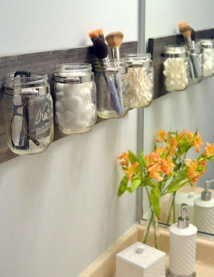 11 FANTASTIC BATHROOM ORGANIZATIONAL HACKS