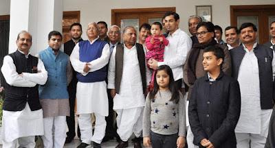 Mulayam Singh Yadav Family History in Hindi