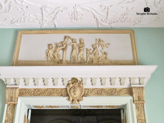 Palacete Violeta (frontão da Sala Dourada)