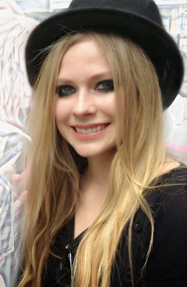 Avril Lavigne Wallpapers Free Download
