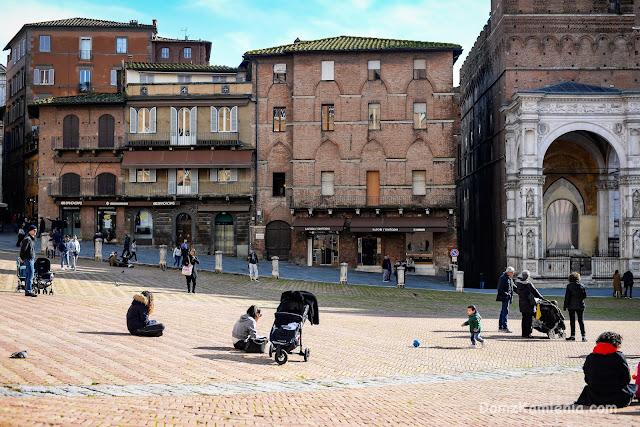 Siena il Campo - Dom z Kamienia