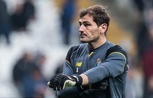 Casillas : Saya pensiun setahun setelah Buffon pensiun