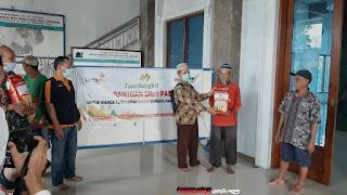 Agar Petani Bangkit,  Muhammadiyah Jepara Berikan Bantuan Petani Desa Dorang