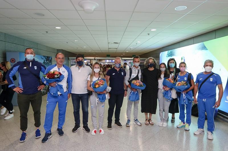 Ολυμπιακοί Αγώνες: Συγκίνηση και χαμόγελα στην επιστροφή των Ελλήνων αθλητών