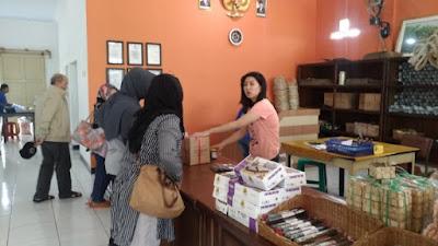 Berburu Tauco Cap Meong Khas Cianjur, Jawa Barat